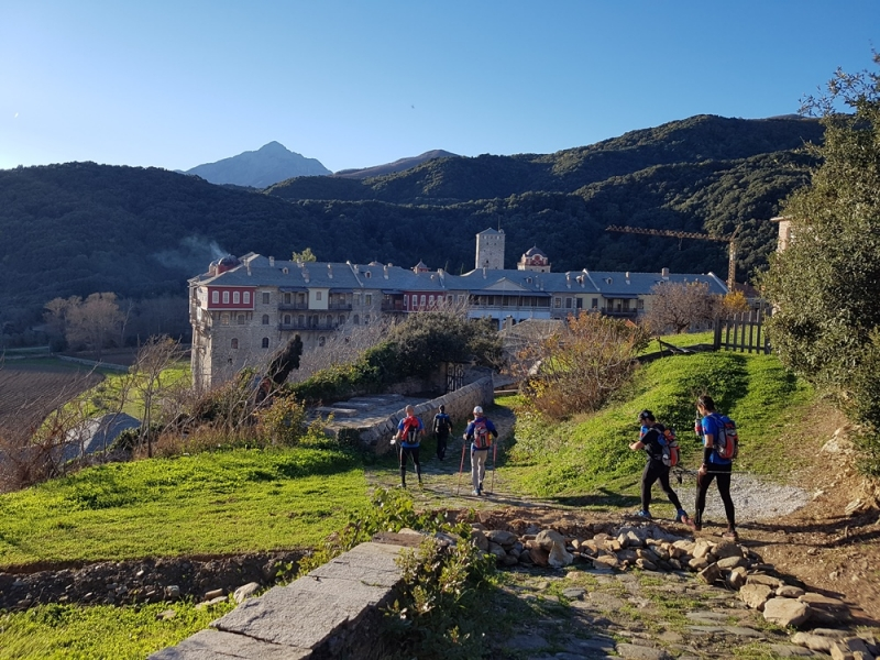 LLegando al Monasterio de Stravronikita